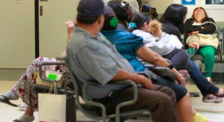 Emergency room patients wait to be seen. (Brian van der Brug / Los Angeles Times / June 28, 2012)
